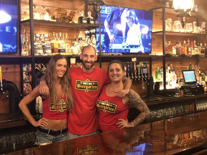 Bar proprietor Pete Massaro Jr. (center)